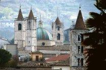 189__Ascoli_i_campanili_del_centro_storico